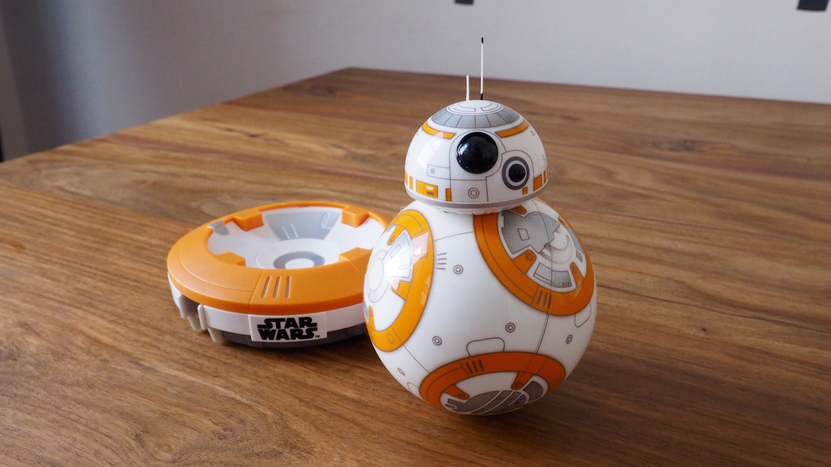 Modojo | See How You Can Control The Star Wars BB-8 Droid Via Phone