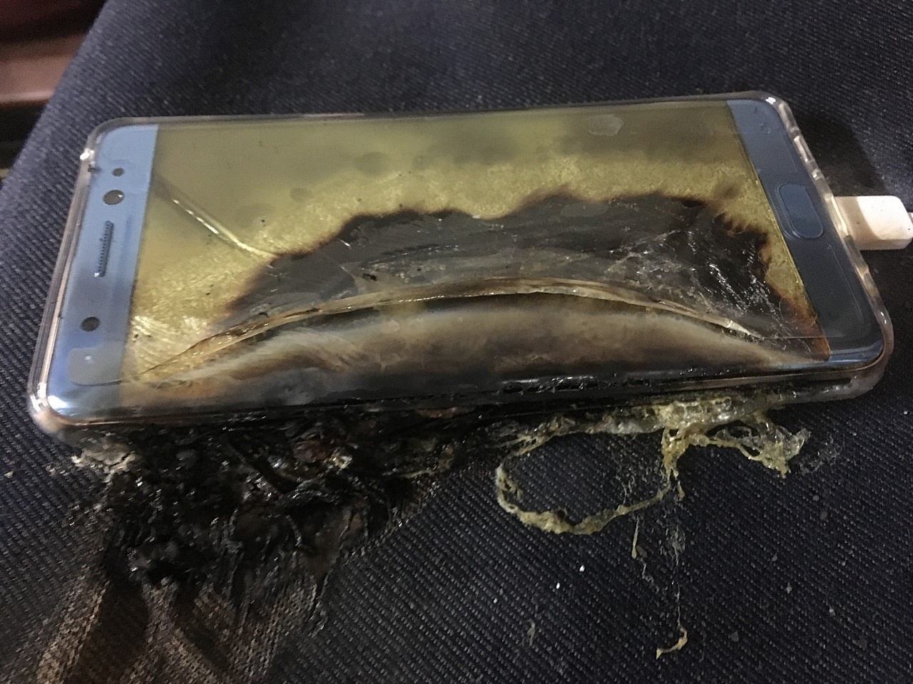 Modojo | Samsung Galaxy Note 7 Replacement Phones Also Catching Fire