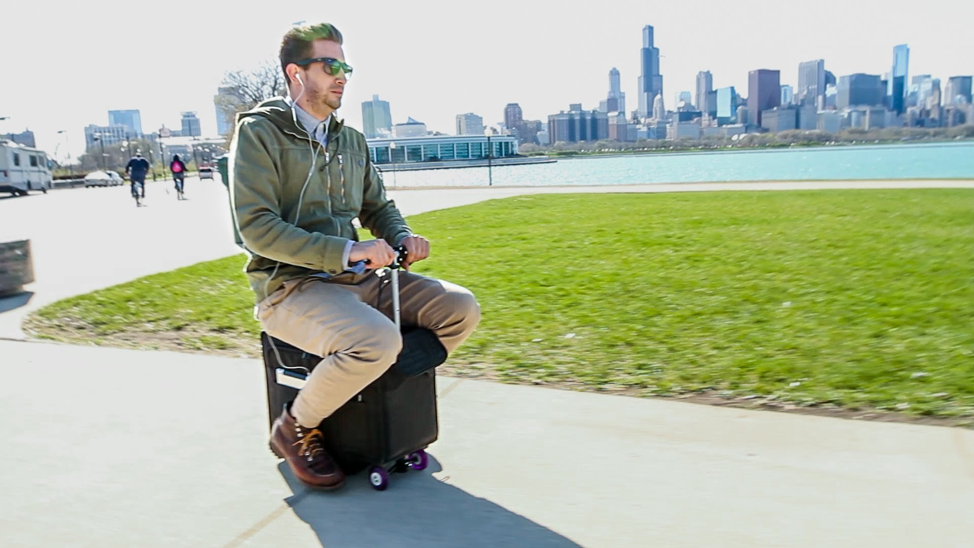 Modojo | Motorized Luggage Is Now A Thing - What Is The Motobag?
